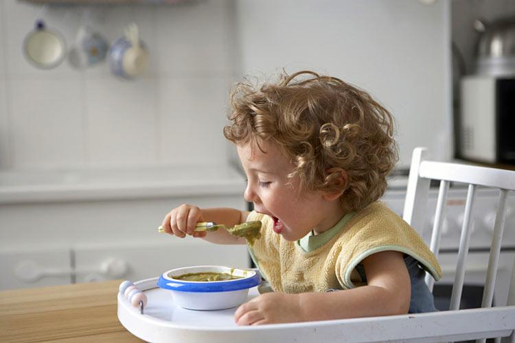 Bambino 2 Anni Non Mangia.Fino A Che Eta Usare Il Seggiolone Pappa Seggiolonepappa It